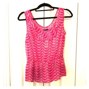 GAP patterned, pink top, size S